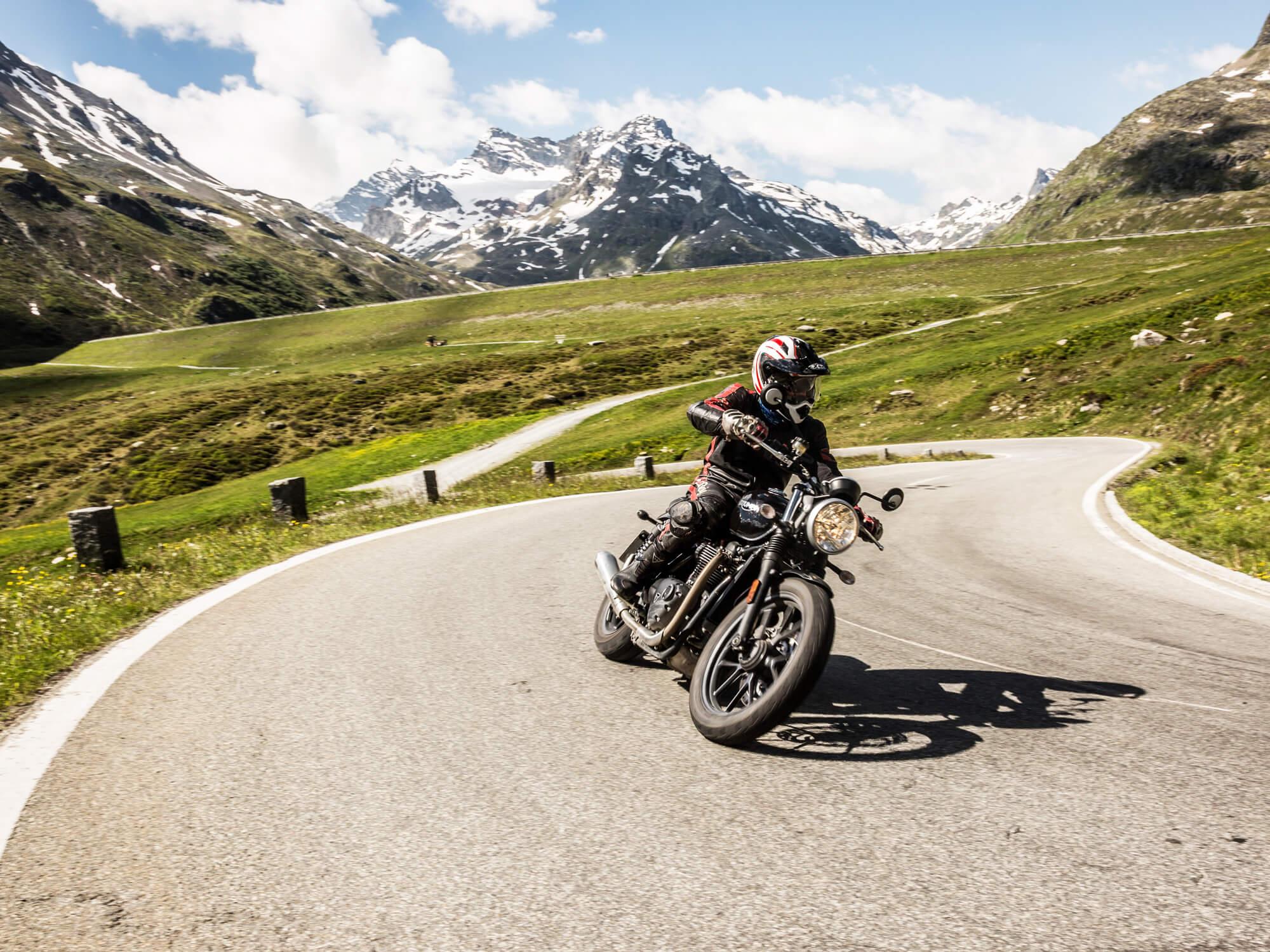 Motorradfahren im Paznaun