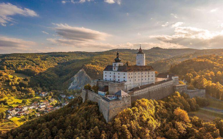 Panorama von Burg Forchtenstein