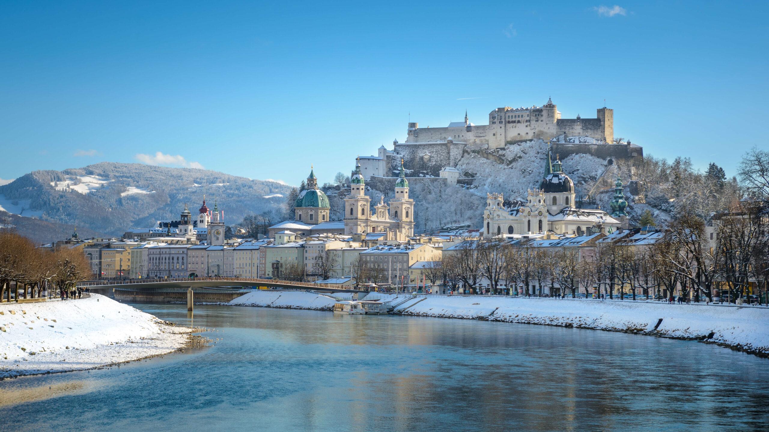 Blick auf die Festung Hohen Salzburg im Winter